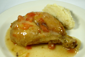 Roast chicken seasoned with sherry vinegar and mashed potatoes