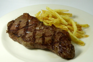 Grilled entrecôte with chips