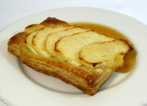 Apple puff-pastry