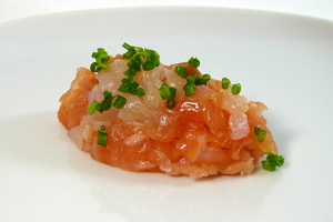 Smoked fish tartare