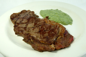 Grilled entrecôte with spinach muslin