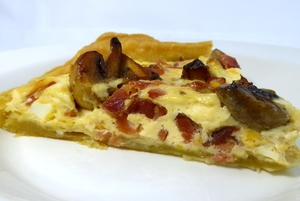 Ham and champignons quiche