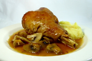 Braised turkey thighs with mushrooms and mashed potatoes