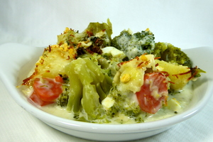 Broccoli with carrots and bechamel sauce