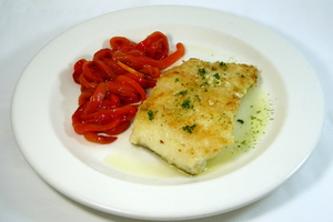 Grilled cod with red peppers stew
