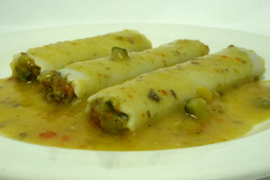 Vegetable cannelloni and pumpkin cream