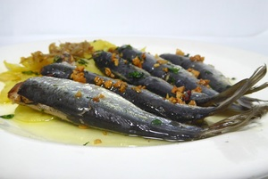 Pilchards with bilbaine fried sauce