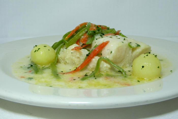 Cod simmered in white wine sauce