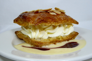 Baked puff pastry filled with whipped cream