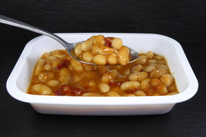 White bean stew with dried red peppers