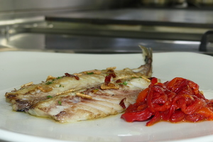 Grilled horse mackerel with red peppers stew