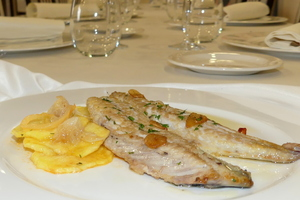 Grilled horse mackerel with golden potato rounds