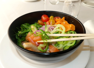 Hawaiian salmon and prawns poke bowl