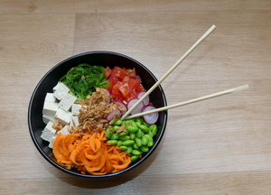 Tofu and brown rice poke