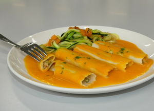 Vegetables cannelloni and pumpkin cream