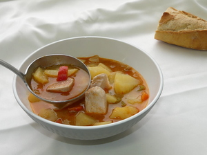 Marmitako (potato, albacore,  green and red pepper stew) Alkatene