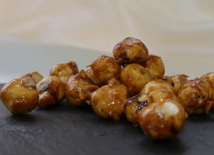 Caramelized hazelnuts